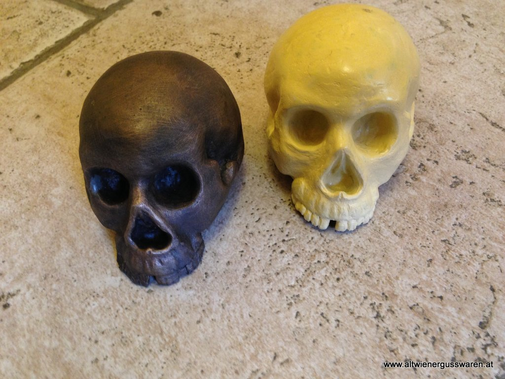 """Totenkopf"" aus Bronzeguss"