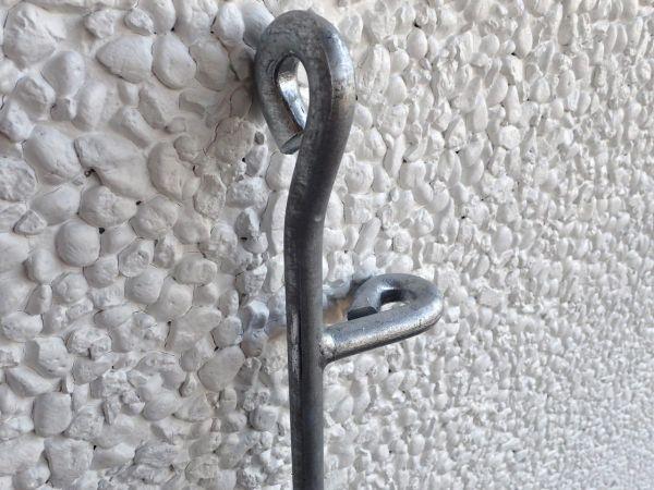 Scharnierpfosten für die Tür Graz in Eisen feuerverzinkt