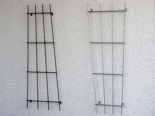 Wandrankgitter, links Eisen roh, rechts Eisen feuerverzinkt