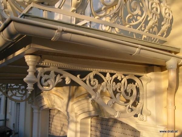 balkonstuetze-gusseisen