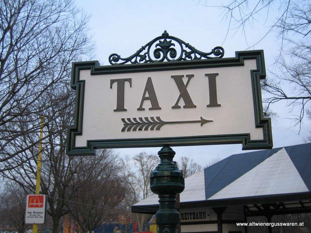 """Hinweisschild """"Taxi"""""""