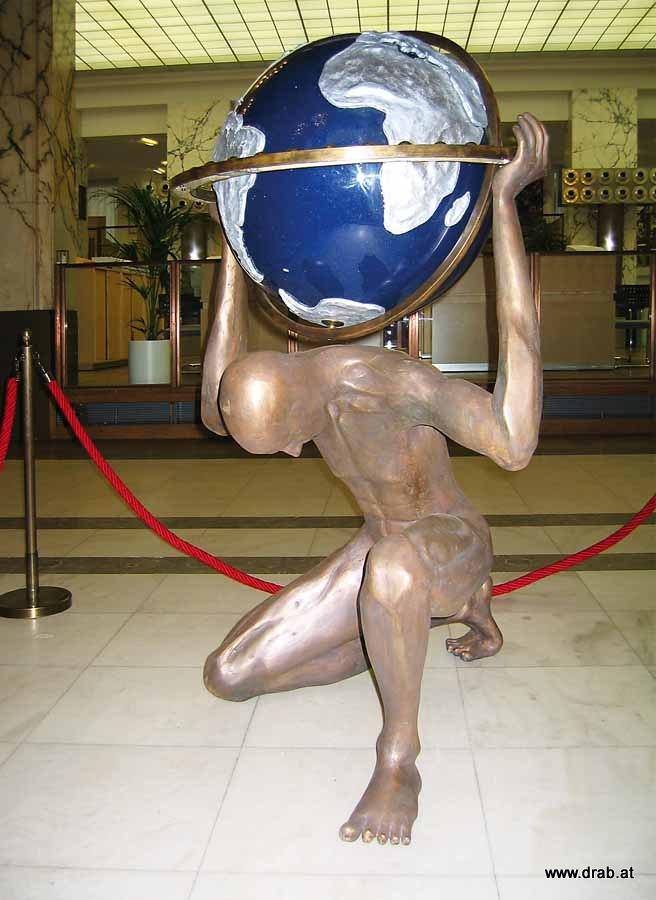 "Skulptur ""Atlant"""